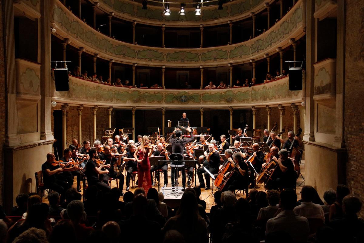 teatro-sociale-gualtieri-ezio-bosso-stradivarifestival-chamber-orchestra-2