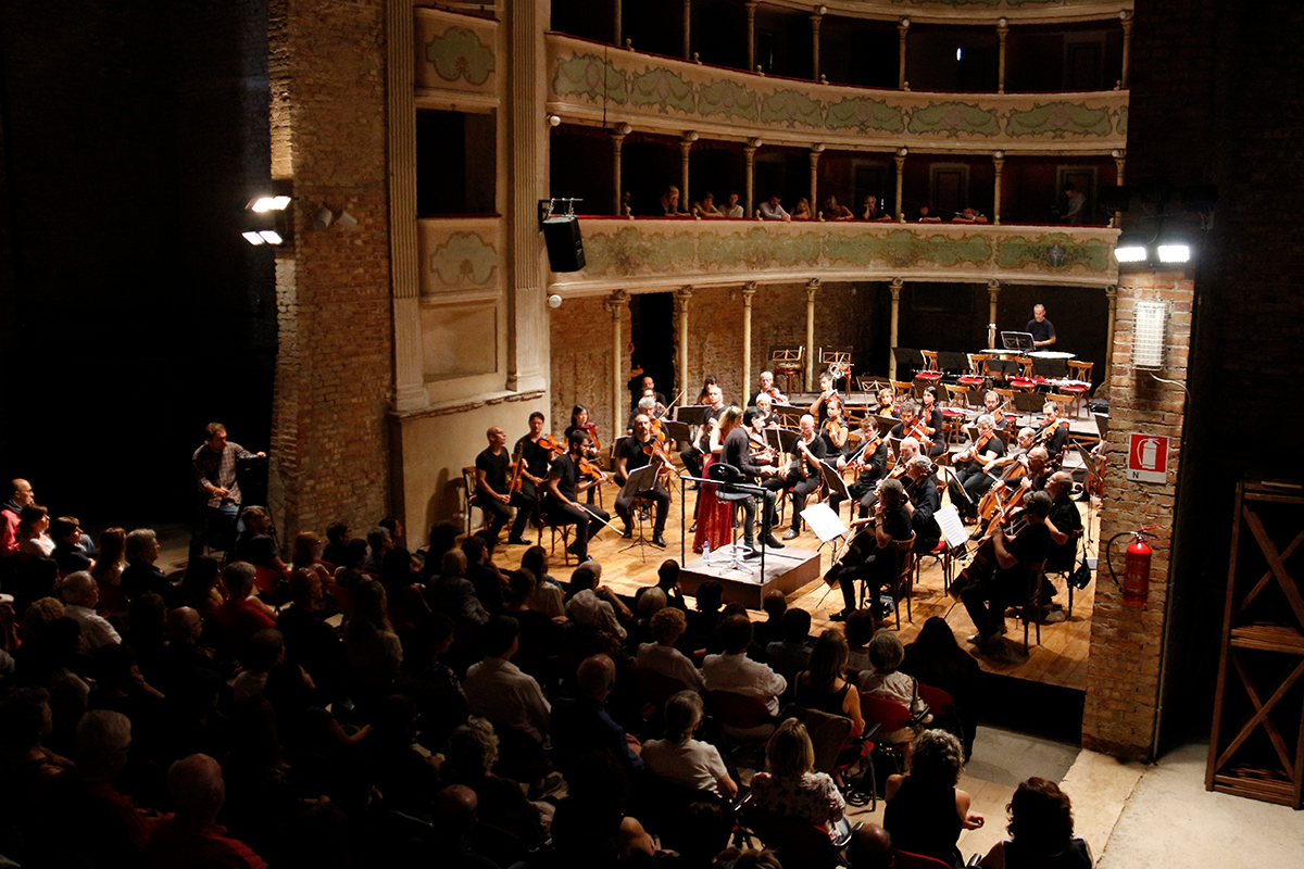 teatro-sociale-gualtieri-ezio-bosso-stradivarifestival-chamber-orchestra-3