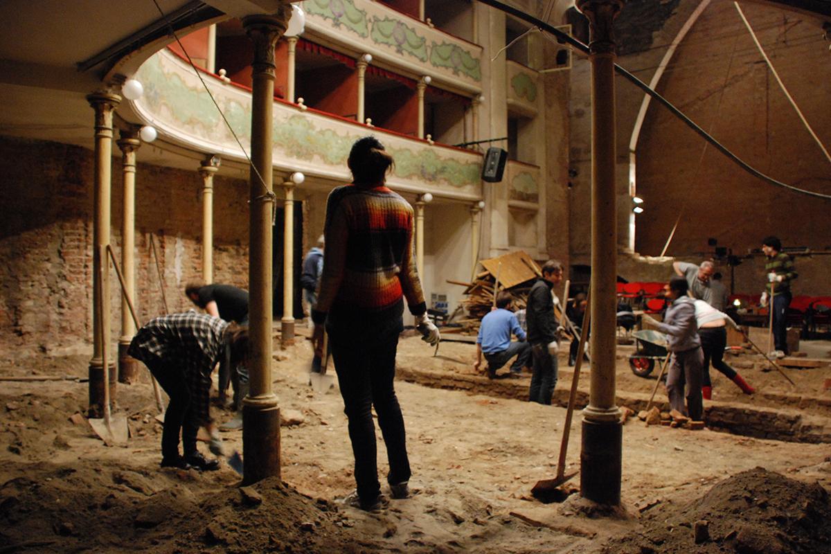 teatro-sociale-gualtieri-cantiere-aperto-2011-007