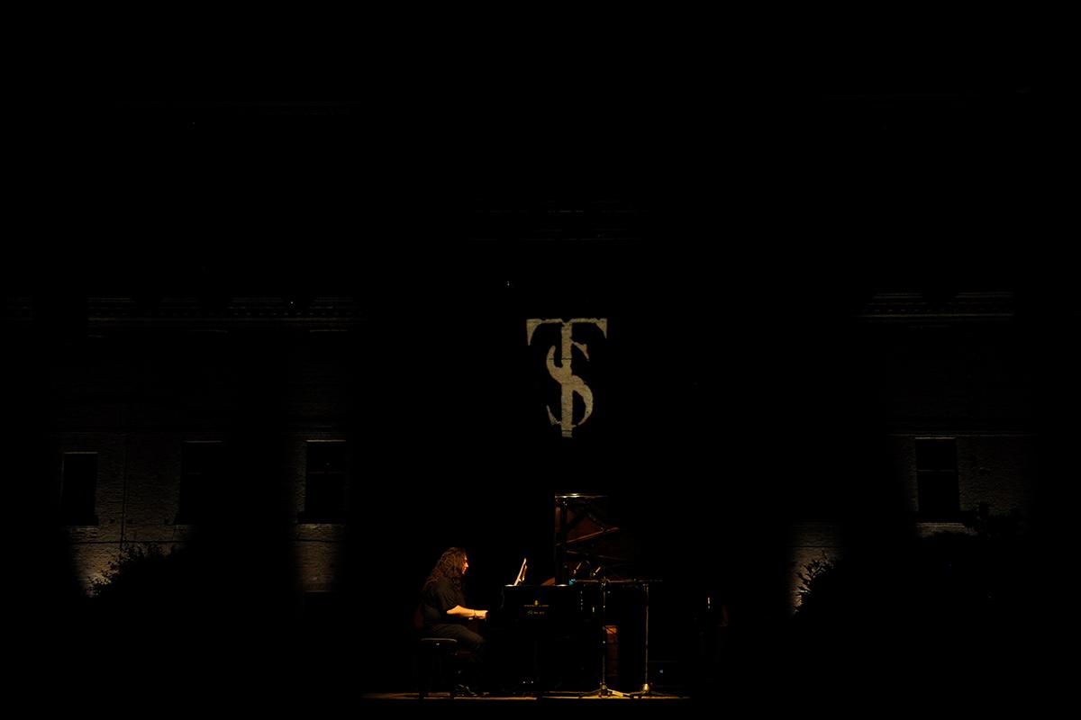 teatro-sociale-gualteri-2012-leonardo-sgavetti-3