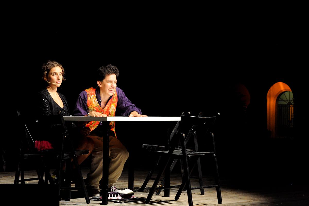 teatro-sociale-gualteri-2012-maniaci-damore-1