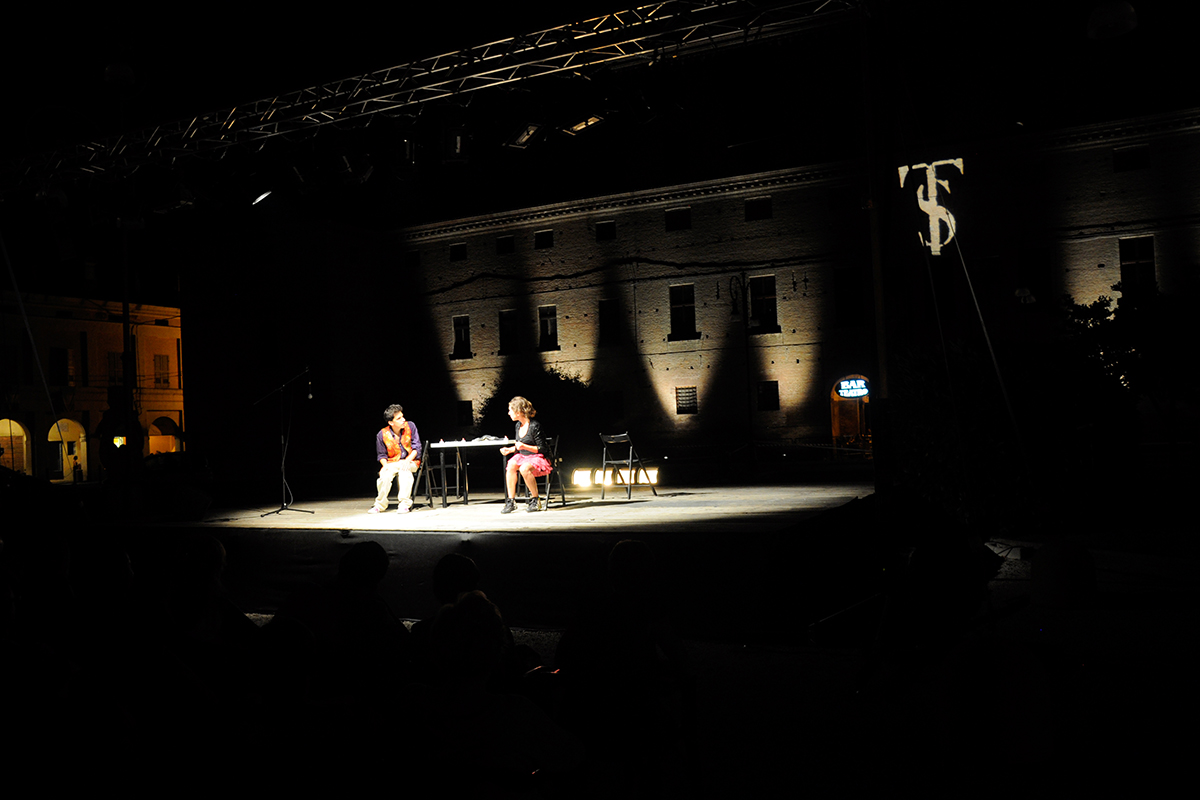 teatro-sociale-gualteri-2012-maniaci-damore-2