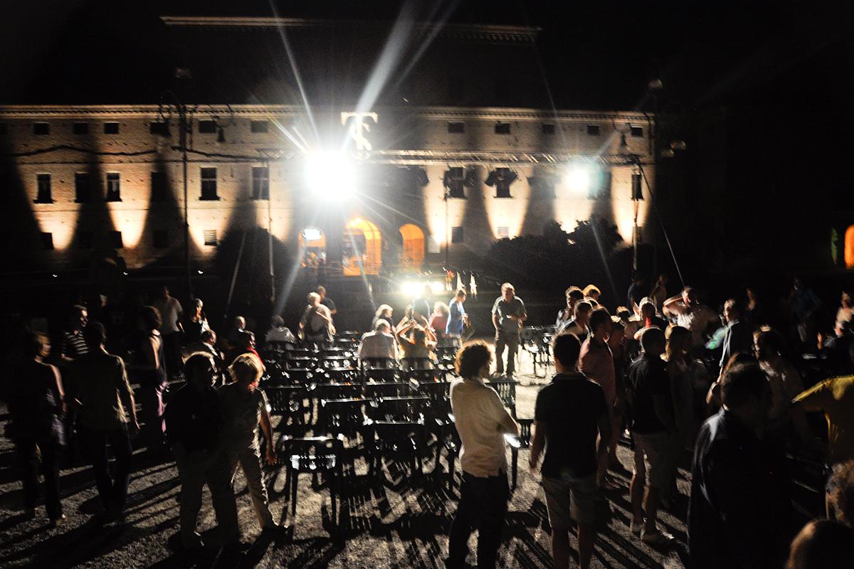 teatro-sociale-gualteri-2012-piazza-1