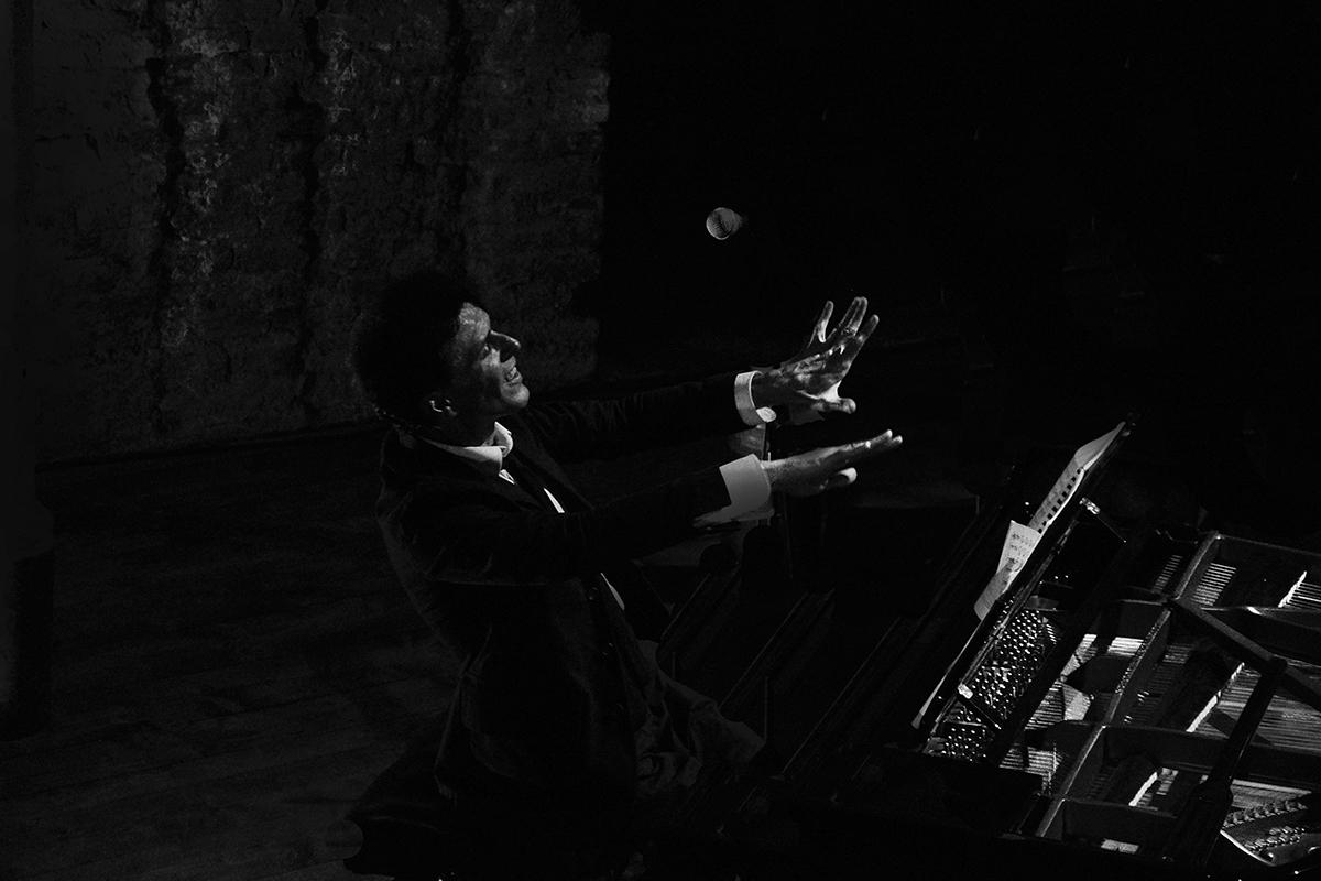 teatro-sociale-gualtieri-ezio-bosso-cello-six-2013-cecchella-2