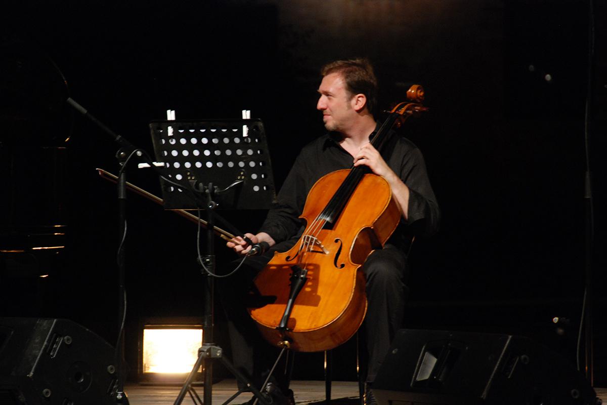 teatro-sociale-gualtieri-ezio-bosso-trio-2012-10