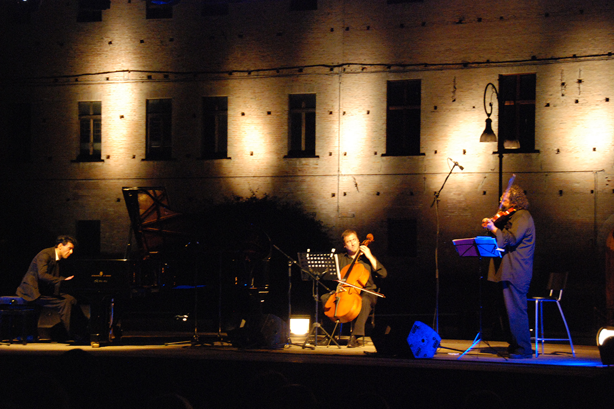teatro-sociale-gualtieri-ezio-bosso-trio-2012-6
