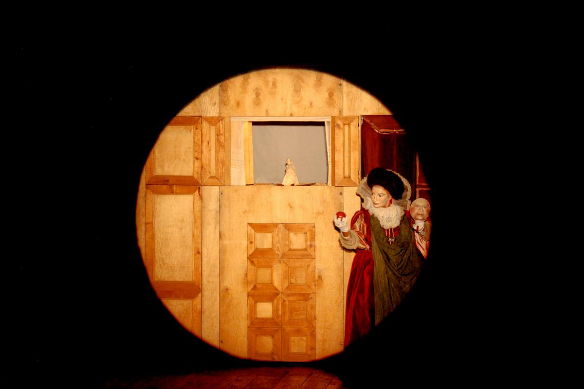 teatro-sociale-gualtieri-stagione-2010-biancaneve-carretto-4