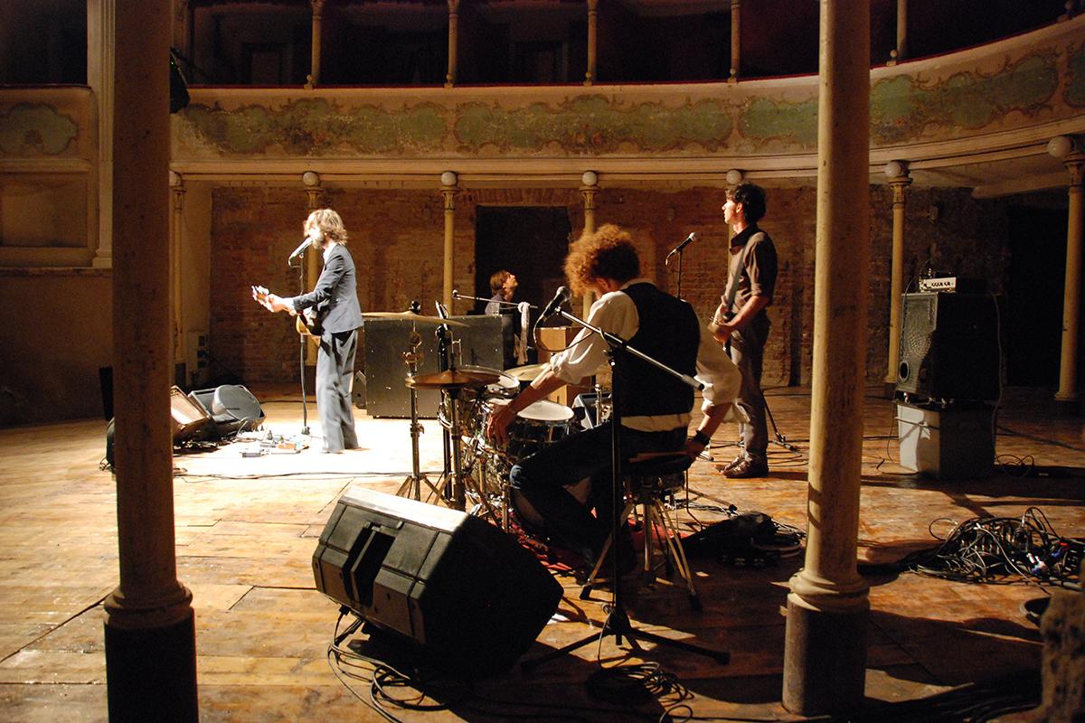 teatro-sociale-gualtieri-stagione-2010-dente-2
