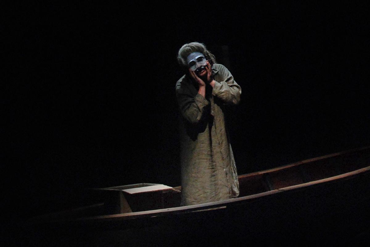 teatro-sociale-gualtieri-stagione-2010-extraripas-3