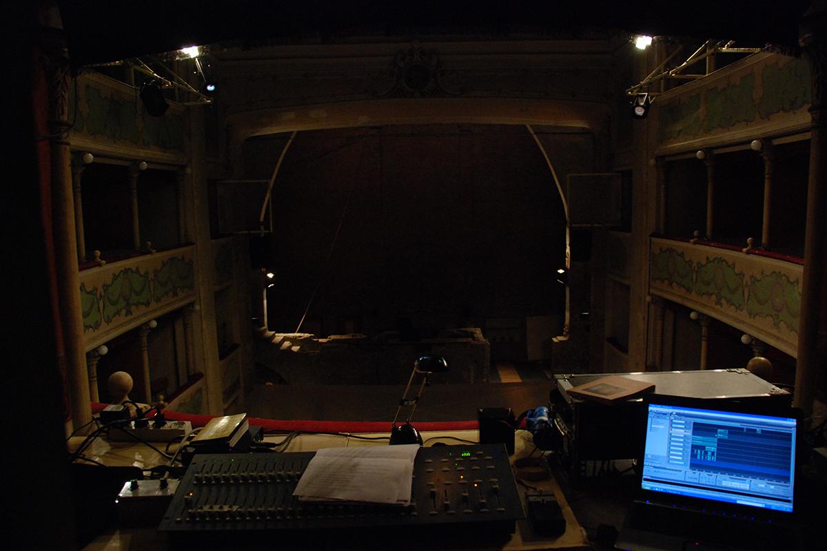 teatro-sociale-gualtieri-stagione-2010-extraripas-8