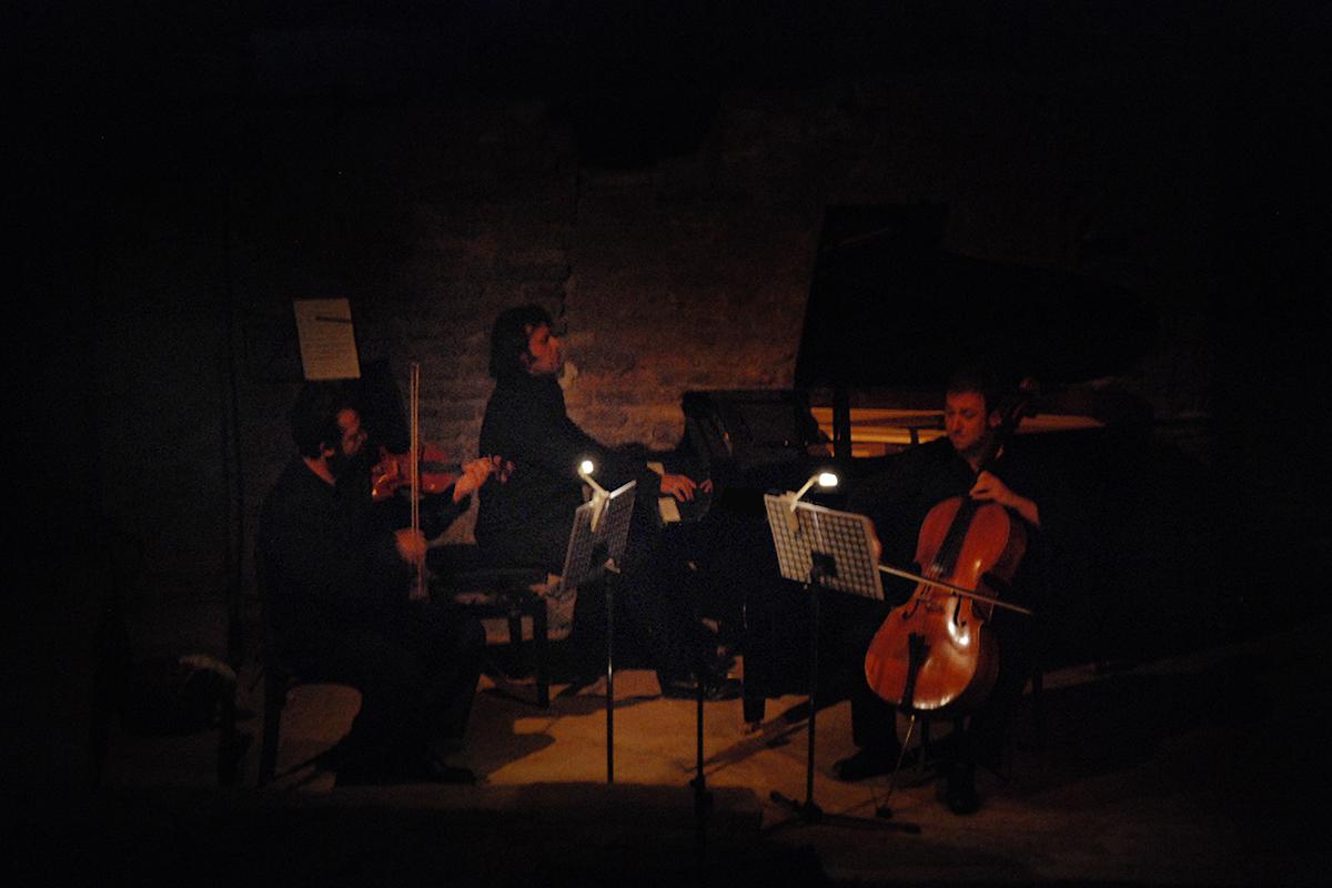 teatro-sociale-gualtieri-stagione-2010-ezio-bosso-trio-no-mans-land-10