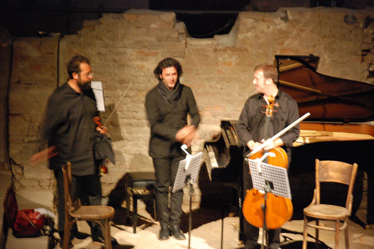 teatro-sociale-gualtieri-stagione-2010-ezio-bosso-trio-no-mans-land-11