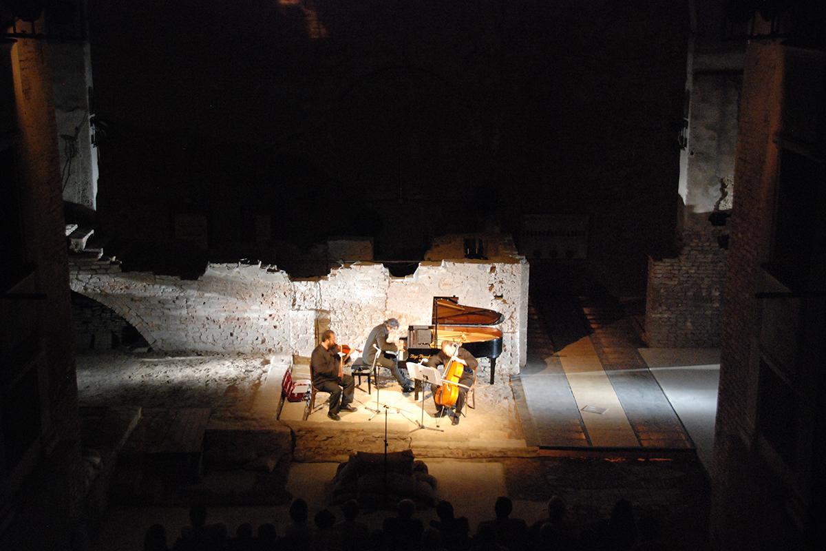 teatro-sociale-gualtieri-stagione-2010-ezio-bosso-trio-no-mans-land-3