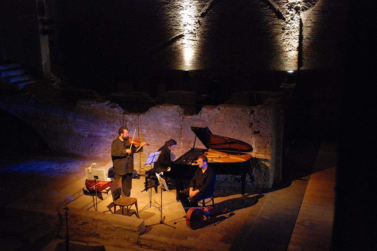 teatro-sociale-gualtieri-stagione-2010-ezio-bosso-trio-no-mans-land-6