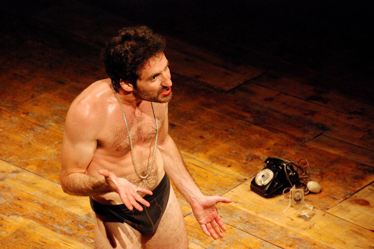 teatro-sociale-gualtieri-stagione-2010-interno-abbado-baracco-4