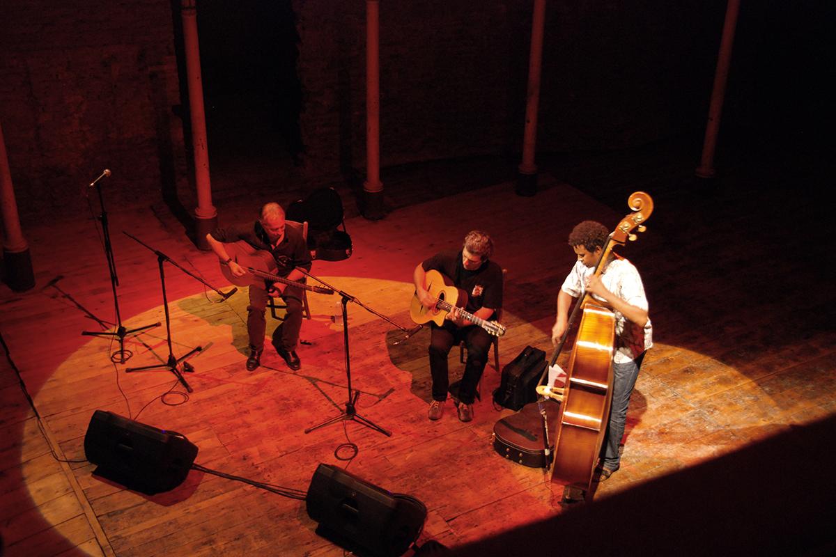 teatro-sociale-gualtieri-stagione-2010-mocambo-swing-1