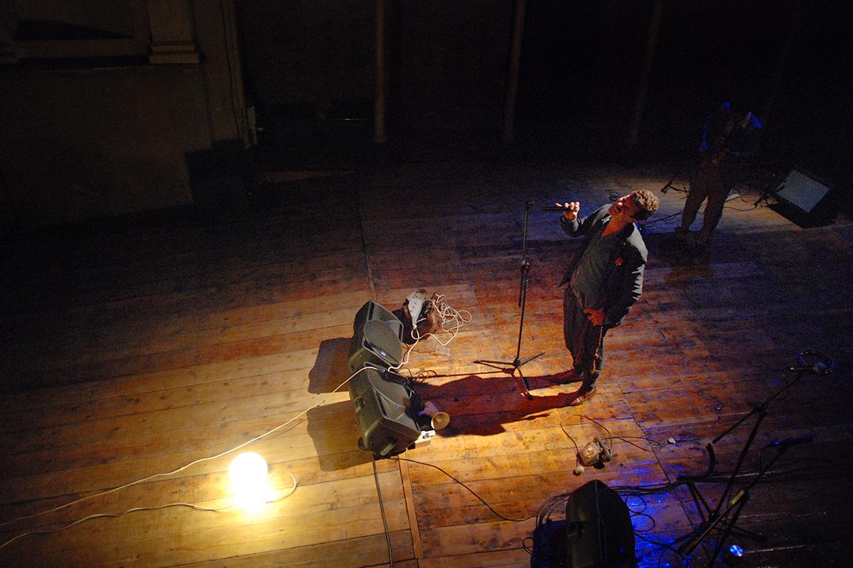 teatro-sociale-gualtieri-stagione-2010-no-braino-1