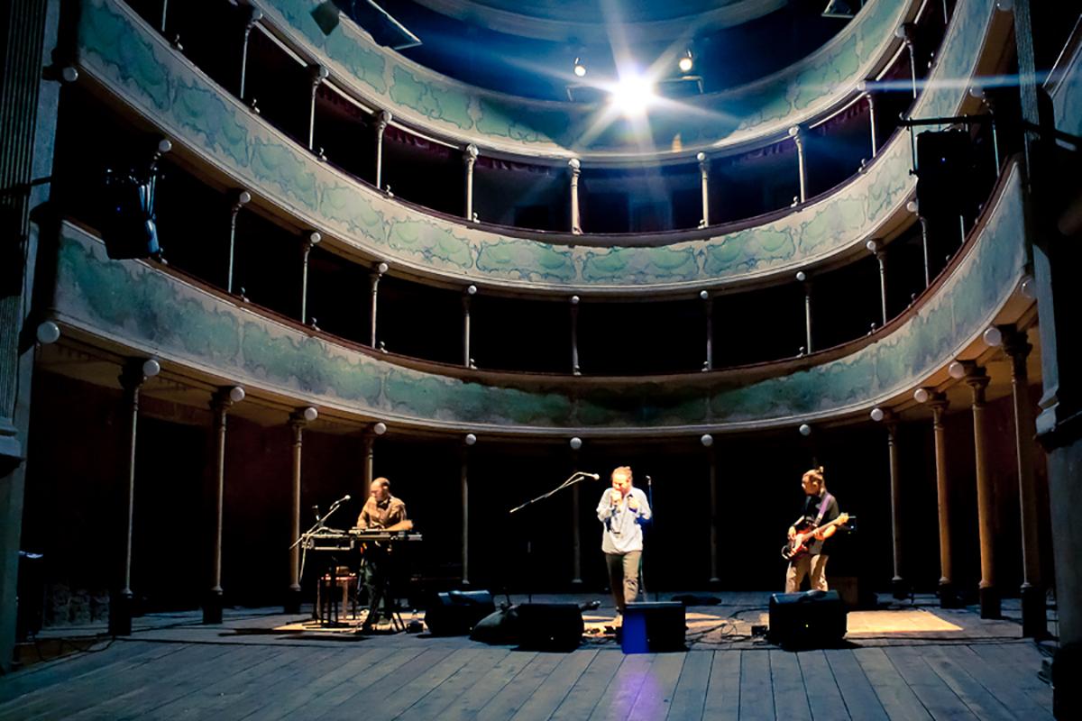 teatro-sociale-gualtieri-stagione-2010-torafugu